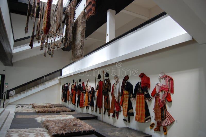 La exposición más popular con las campanas en museo en Rhodope imagen de archivo libre de regalías