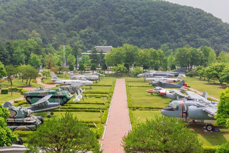 La exposición patriótica de los artículos en el cementerio nacional de Daejeon, Corea del Sur, 25 puede 2016 fotos de archivo