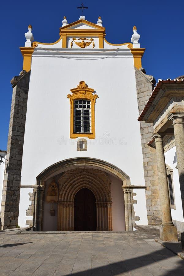 La façade d'une église à Evora, Portugal photographie stock libre de droits