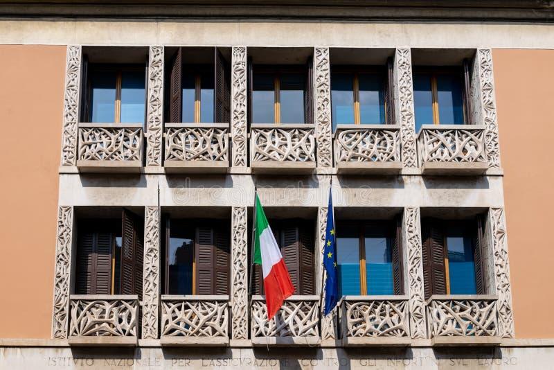 La façade du bâtiment de l'institut national d'INAIL pour l'assurance contre les accidents du travail à 6 Corso Cavour photo libre de droits