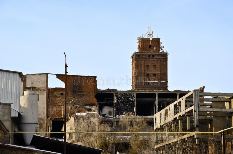 La fabbrica distrutta 1 fotografia stock libera da diritti