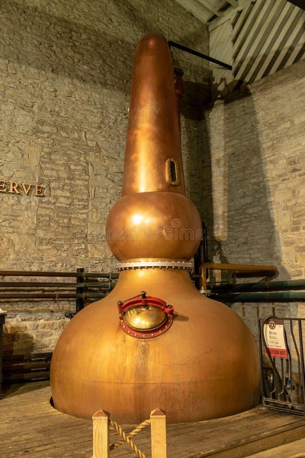La fabricación del whisky de Borbón fotografía de archivo