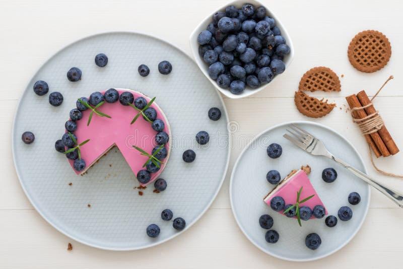 La fabricación ningún cuece el mini pastel de queso fotografía de archivo libre de regalías