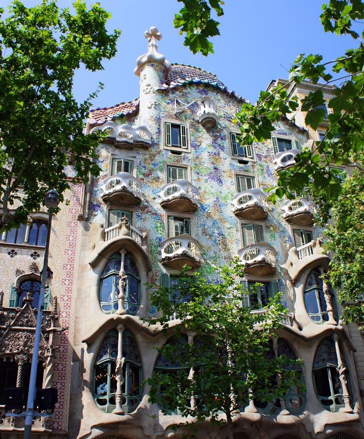 La facciata delle case Battlo, Barcellona della casa fotografia stock libera da diritti