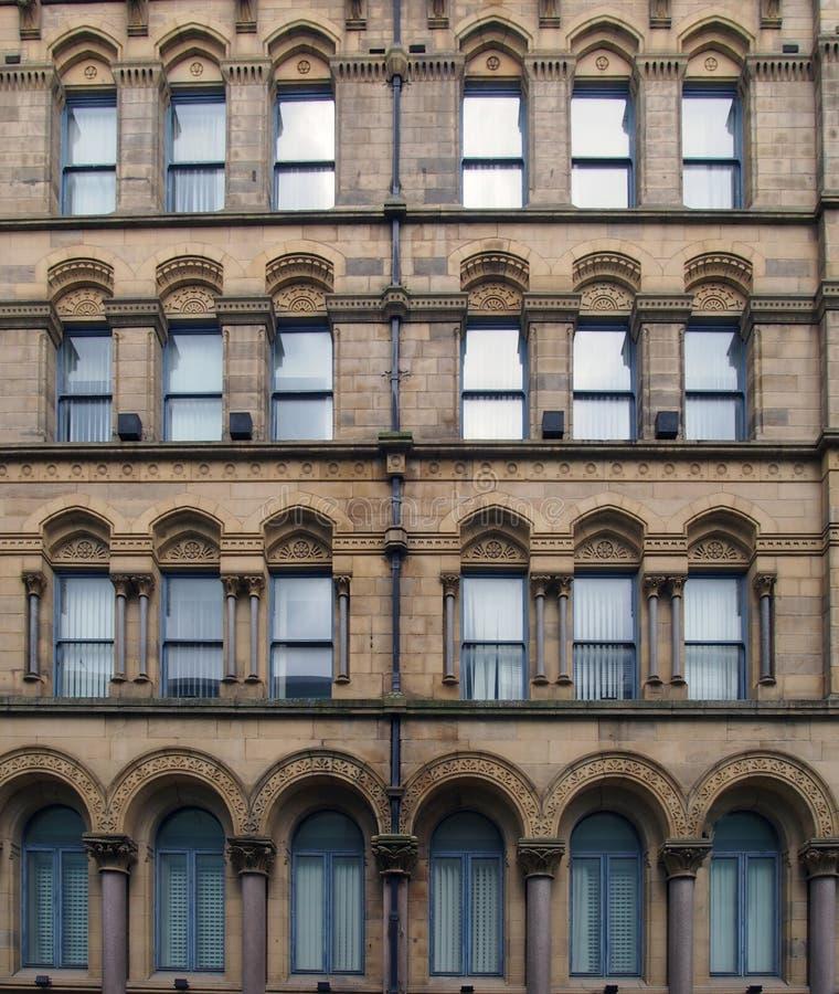 La fachada del almacén milligan y de forbes anterior en Bradford West Yorkshire un edificio grande del estilo del palazzo imagenes de archivo