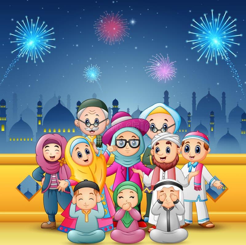 La familia feliz celebra para el eid Mubarak con el fondo de la mezquita y de los fuegos artificiales libre illustration