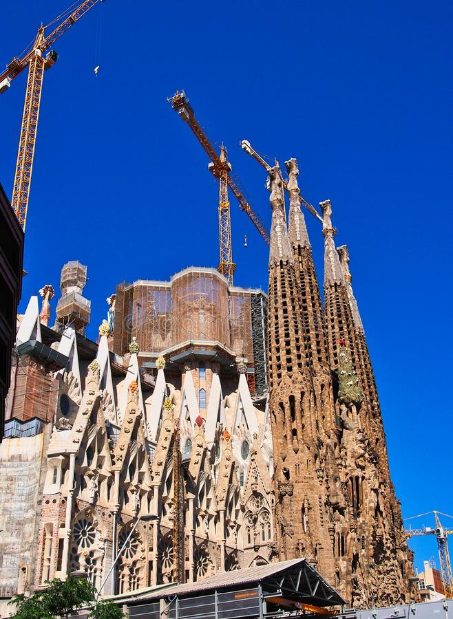 La Familia Sagrada, Onvolledige Basiliek, Barcelona, Spanje stock fotografie