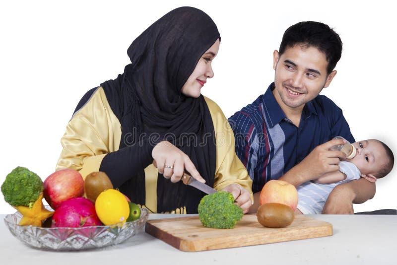 La famille fait Superfood sain photo stock