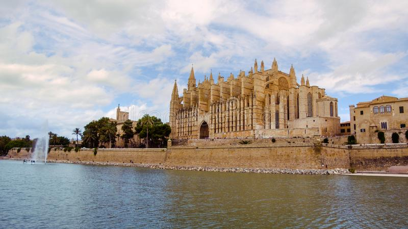 La famoso Seu da catedral em Palma de Mallorca, Espanha foto de stock royalty free