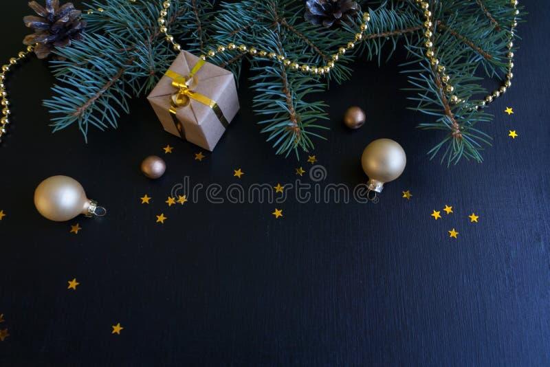 La Feliz Navidad y la Feliz Año Nuevo ennegrecen el fondo fotos de archivo libres de regalías