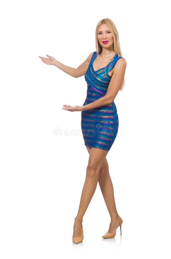 La femme blonde grande dans la mini robe bleue d'isolement sur le blanc images libres de droits