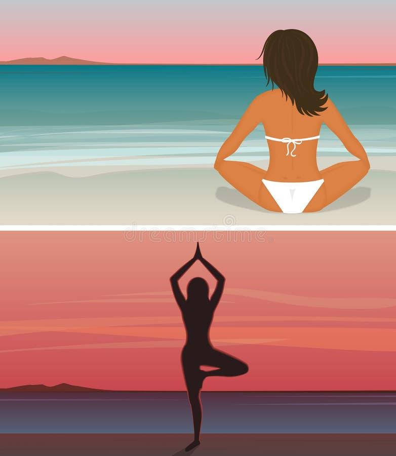 La femme fait le yoga sur la plage de coucher du soleil illustration libre de droits