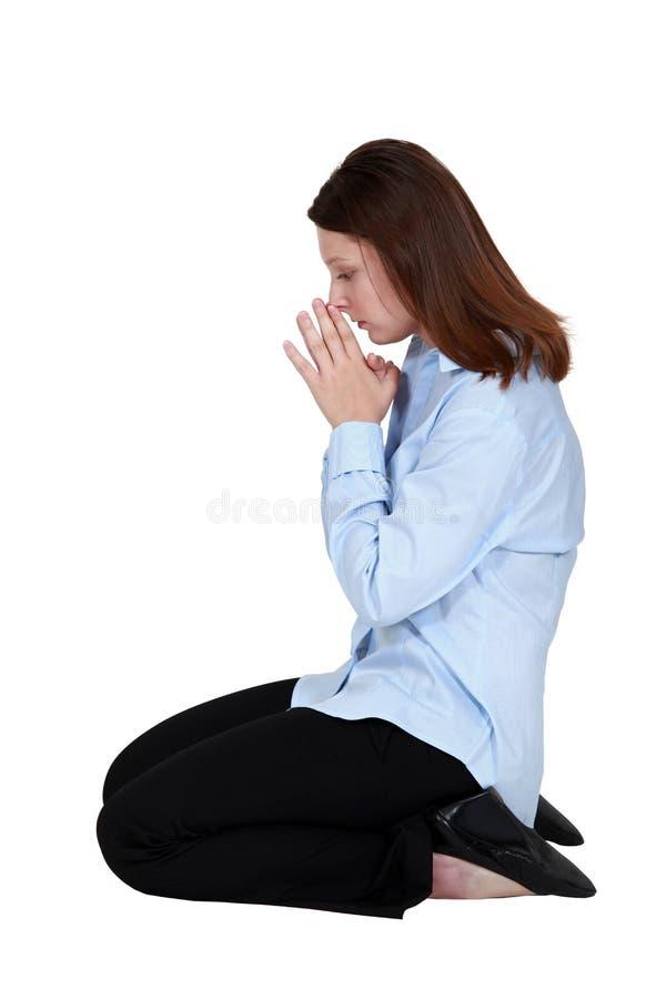 Prière de femme photo libre de droits