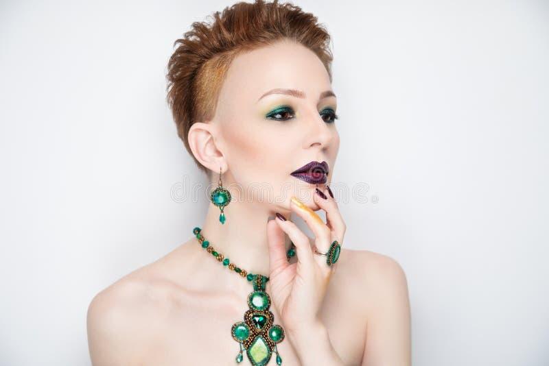 La femme vert clair composent photographie stock libre de droits