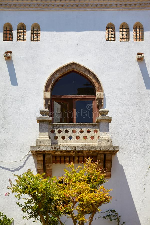 La fenêtre orientale de style avec le balcon dans la quatrième cour du palais de Topkapi, Istanbul photos libres de droits
