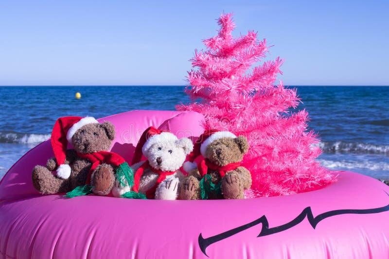 La festa di Natale sta venendo Progettazione felice della cartolina di feste Concetto di progetto insolito di Natale fotografie stock libere da diritti