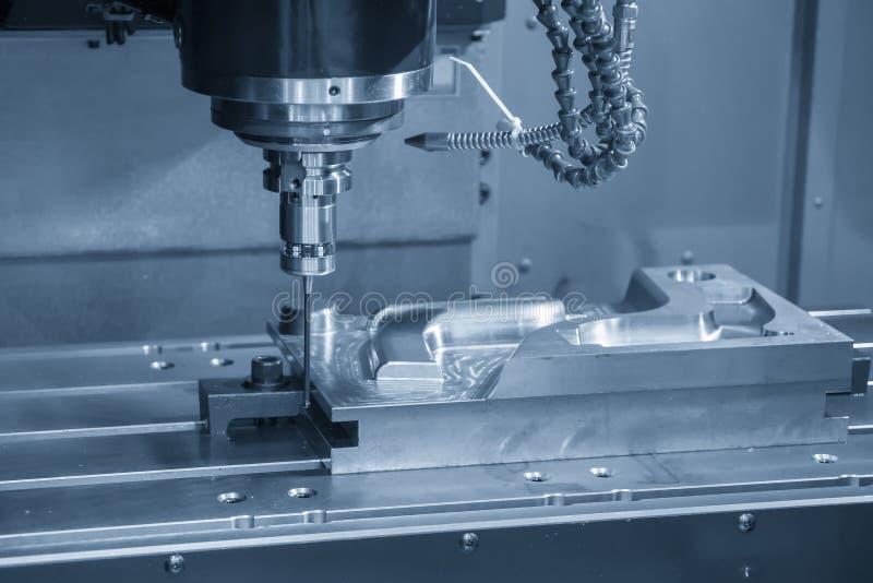 La fijación vertical de la fresadora del CNC la punta de prueba CMM foto de archivo libre de regalías