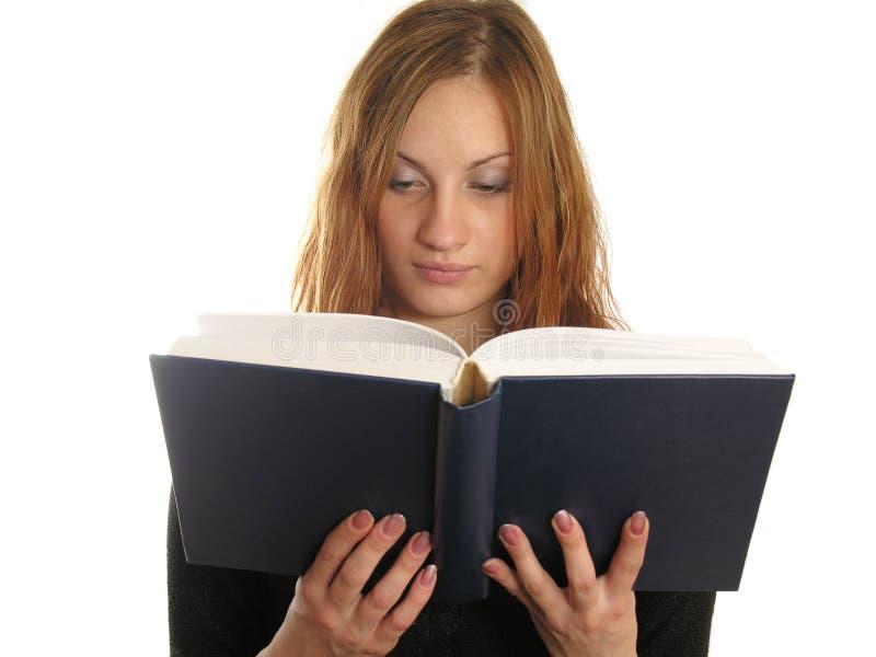 La fille a affiché le livre. écrivez votre texte photo libre de droits