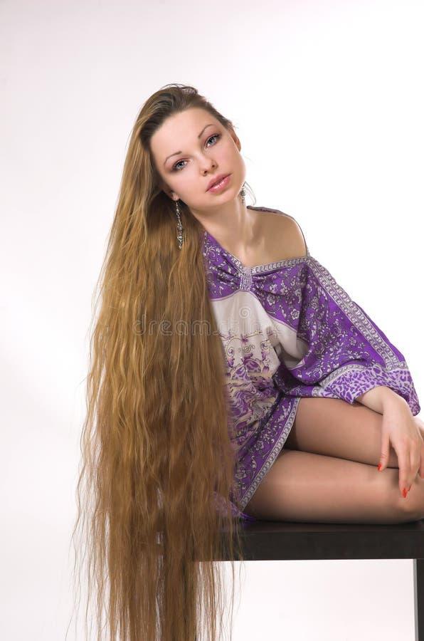 La fille avec le long cheveu image libre de droits