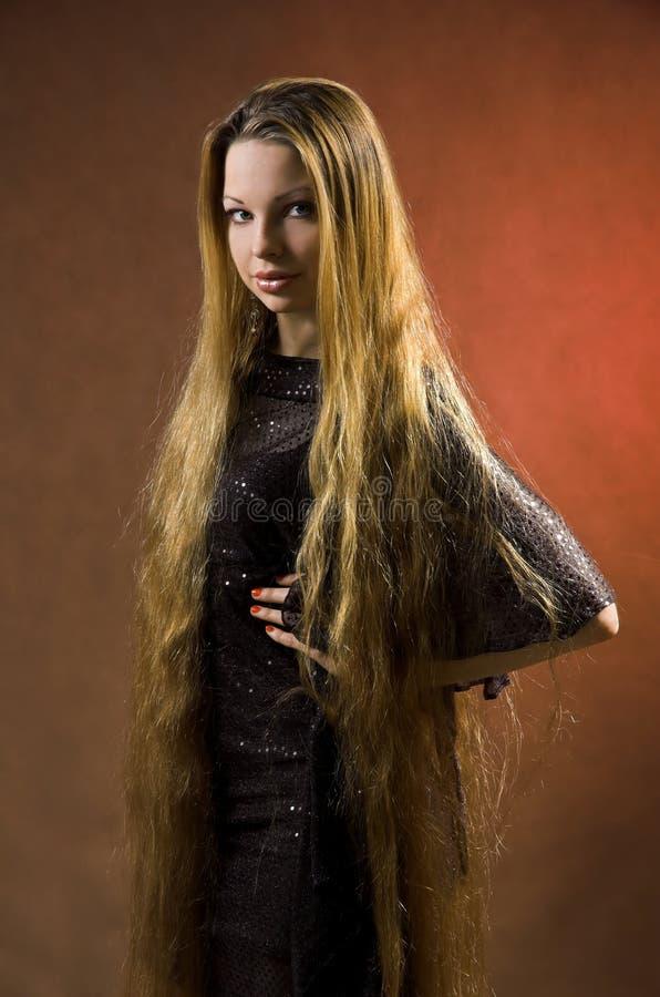 La fille avec le long cheveu photos libres de droits