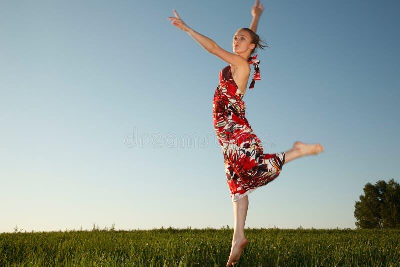 Jeune femme de vol photo libre de droits
