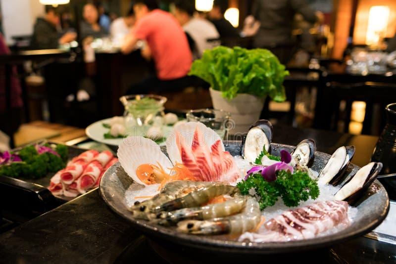La fine su frutti di mare ha messo per il ristorante cinese di shabu fotografia stock libera da diritti