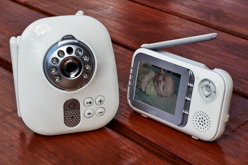 La fine sul monitor del bambino per sicurezza del bambino immagini stock