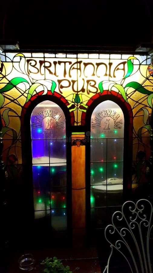 La finestra del pub britannico fotografia stock libera da diritti