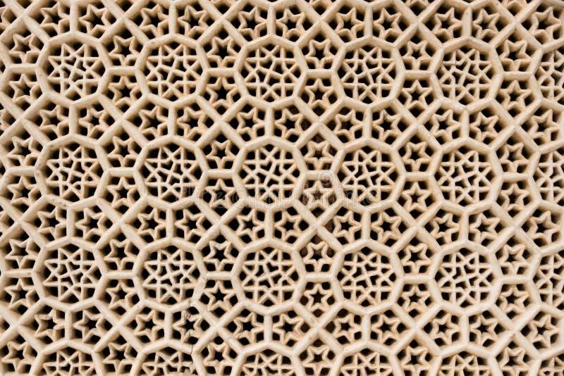 La finestra della mano ha intagliato il marmo in Fatehpur Sikri. immagine stock