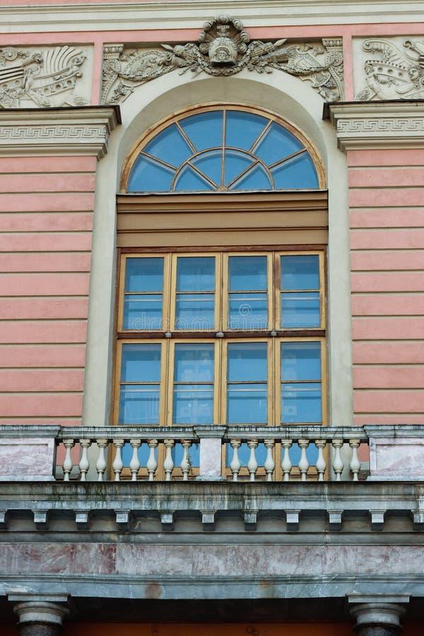 La finestra di vecchia costruzione immagine stock libera da diritti
