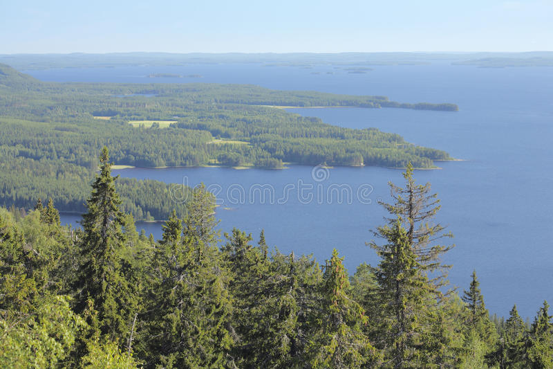 La Finlande - le cordon de mille lacs. photographie stock