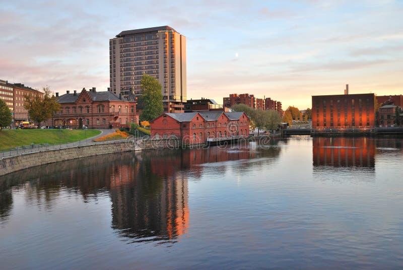 La Finlande. Tampere au coucher du soleil photographie stock