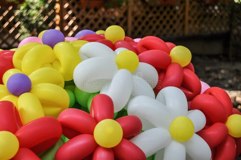 La fleur a formé les ballons gonflables images libres de droits