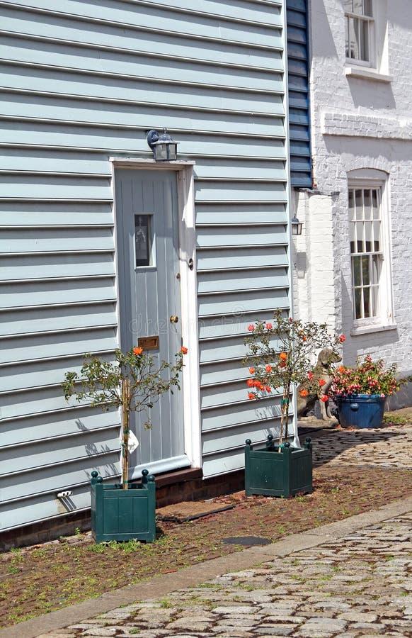 La flor encajona y maúlla las cabañas imágenes de archivo libres de regalías