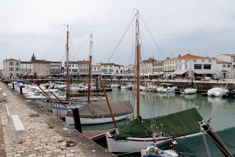 La Flotte en Ré, Charente/Frankrike - 05 01 2019 : Hamn la Flotte på ön Ile de Ré i sydvästra Frankrike royaltyfri foto
