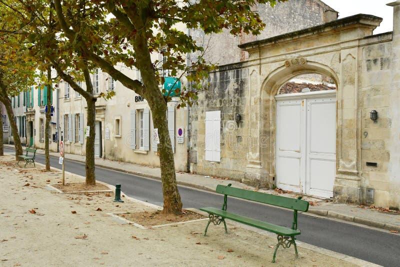 La Flotte, França - 27 de setembro de 2016: vila pitoresca dentro imagem de stock royalty free
