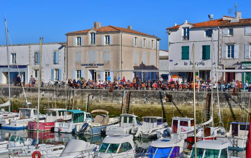 La Flotte, Frankrike - september 25 2016: pittoresk by i a royaltyfri foto