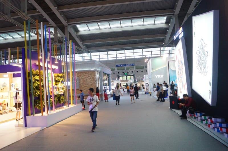Download La Foire Commerciale De Quinzième De La Chine (Shenzhen) De Marque Habillement International D'habillement Photo éditorial - Image du fond, achats: 56478736