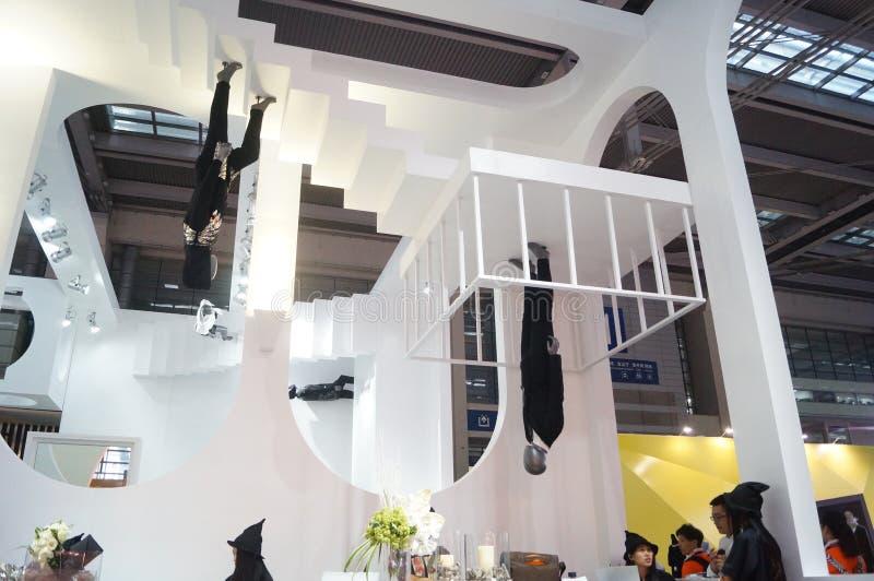 Download La Foire Commerciale De Quinzième De La Chine (Shenzhen) De Marque Habillement International D'habillement Image éditorial - Image du propriétaires, achats: 56479320