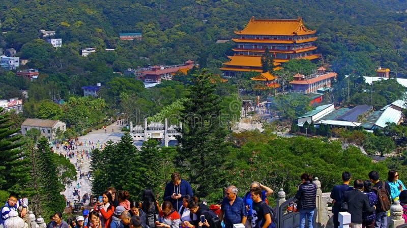 La folla della gente al tian abbronza grande Buddha, Hong Kong fotografia stock libera da diritti