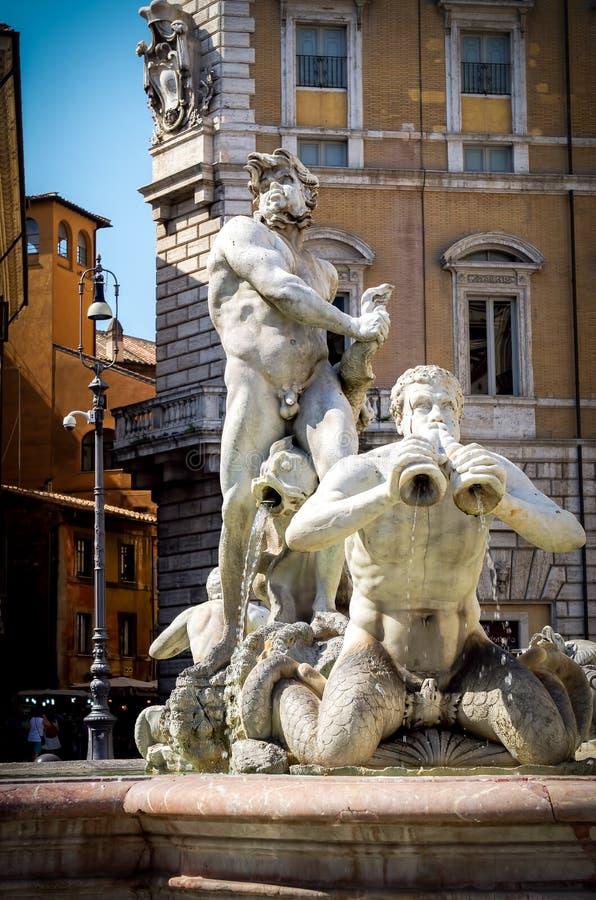 La fontaine d'amarrage et le x28 ; Fontana del Moro& x29 ; dans Piazza Navona Rome Italie images stock