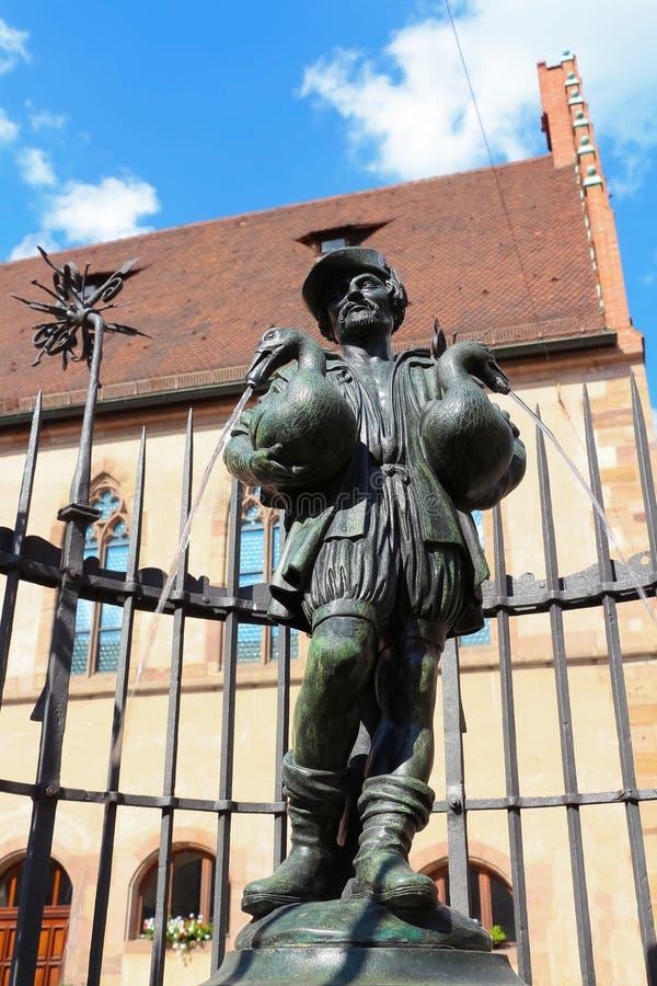 La fontaine de l'homme d'oie à Nuremberg Allemagne images libres de droits