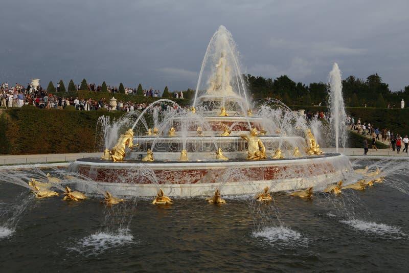 'La fontaine de Latona', château De Versailles, France, tir le 8 août 2015 image libre de droits