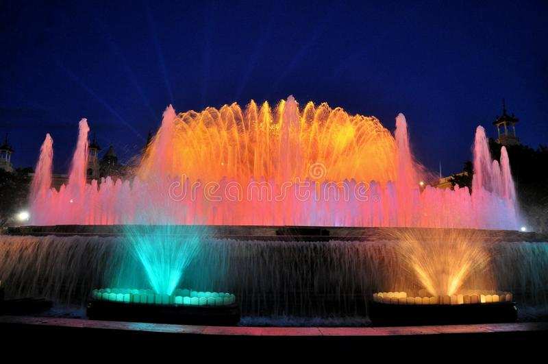 La fontana di canto a Barcellona fotografie stock