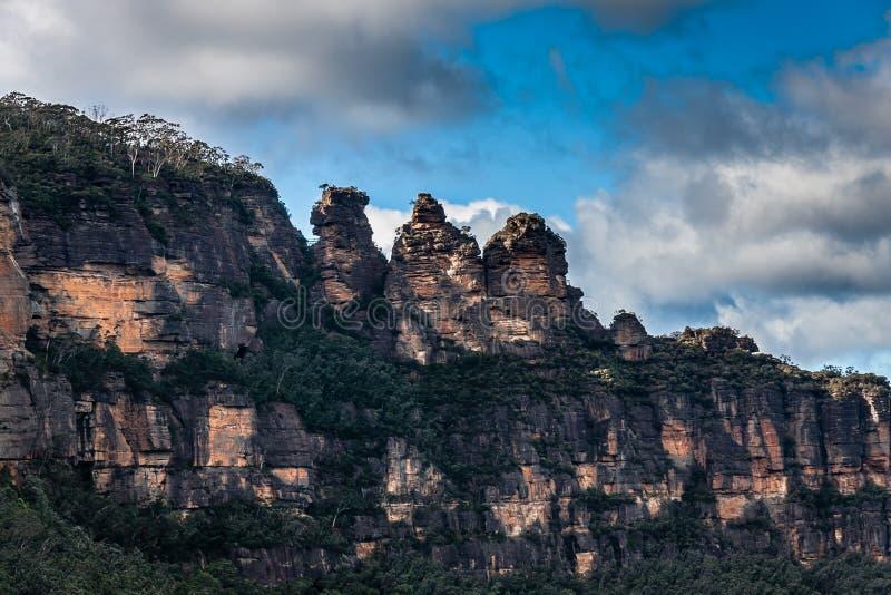 La formación de roca de tres hermanas en el parque nacional de las montañas azules, NSW, Australia fotos de archivo libres de regalías