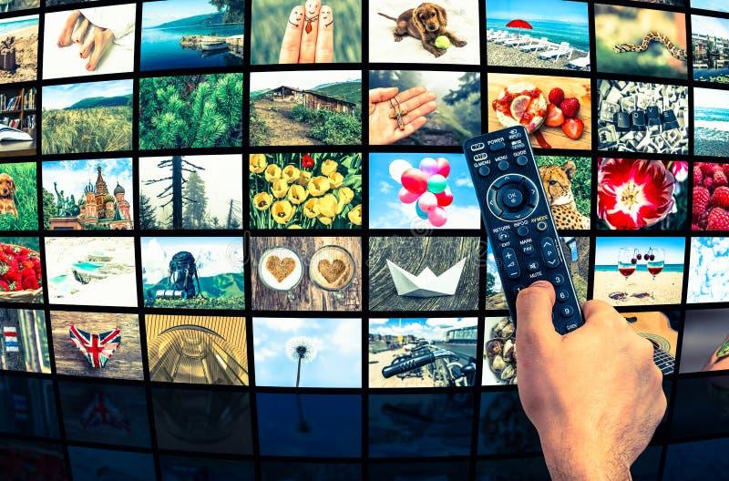La formation d'écrans de grands multimédia a annoncé le mur visuel photographie stock libre de droits