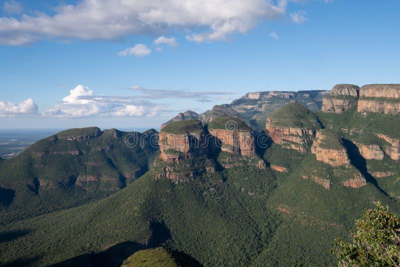 La formazione rocciosa di tre Rondavels al canyon del fiume di Blyde sull'itinerario di panorama, Mpumalanga, Sudafrica immagine stock libera da diritti