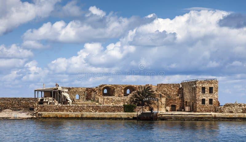 La fortaleza de Firkas permanece en el hatbor de Chania, Creta imagenes de archivo