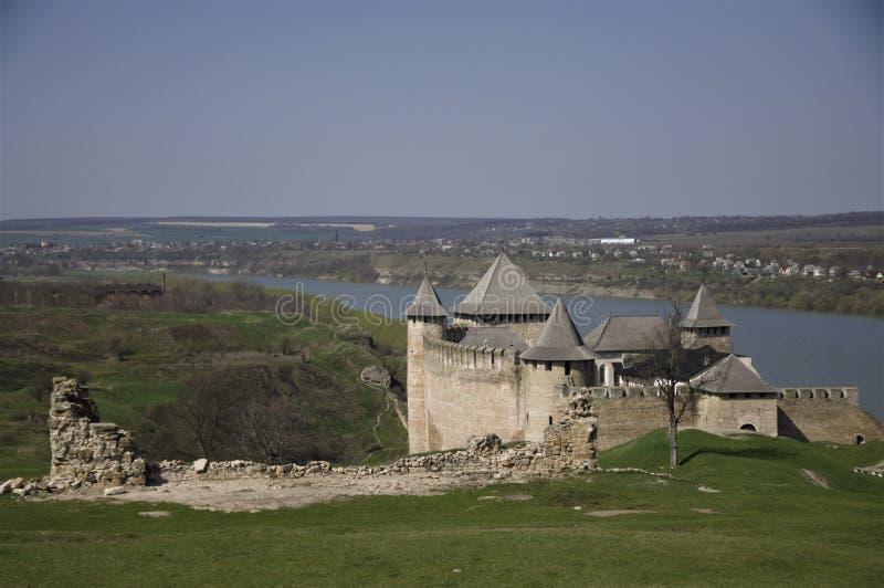 La fortaleza de Khotyn es una reserva histórica y arquitectónica del estado fotos de archivo libres de regalías