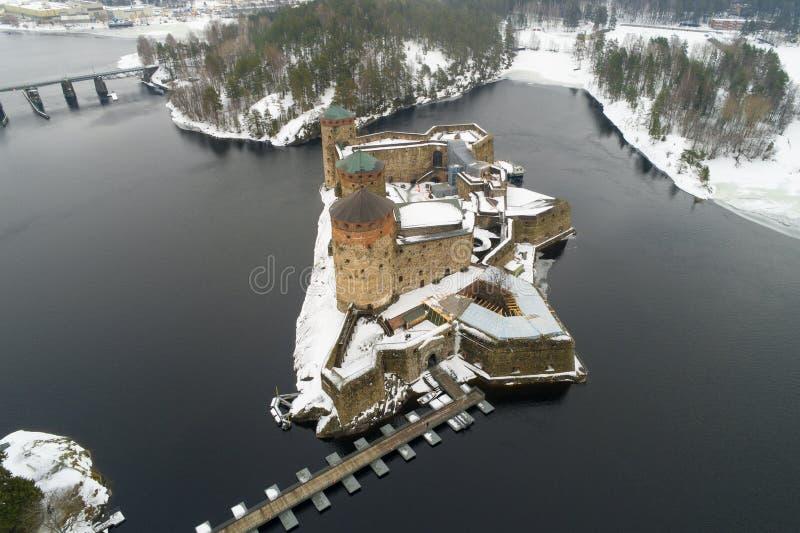 La fortezza antica di Olavinlinna, rilevamento aereo di giorno di marzo Savonlina, Finlandia fotografia stock libera da diritti